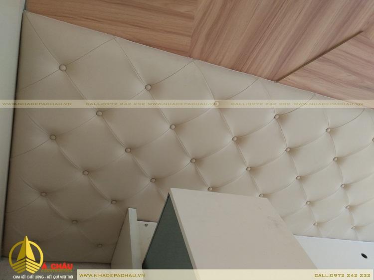 thi công giường ngủ trong phòng ngủ master chung cư Thới An